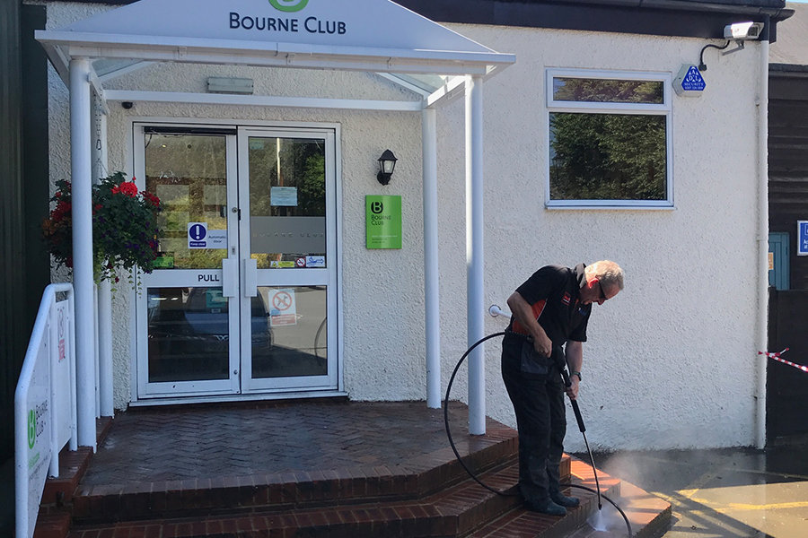 Commercial-Patio-Cleaning