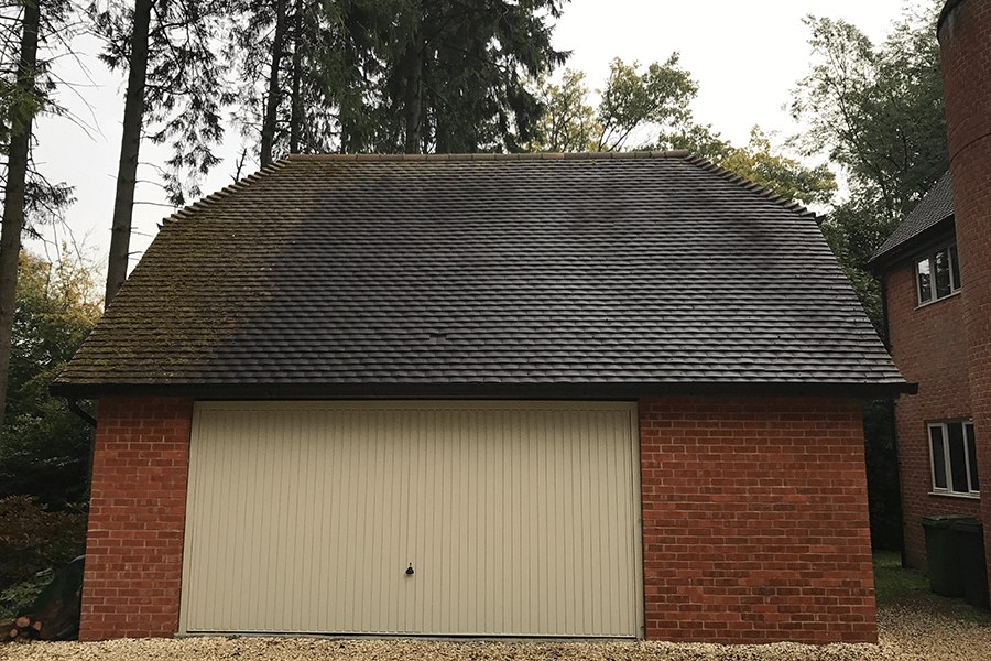 Roof-Cleaning-Hampshire