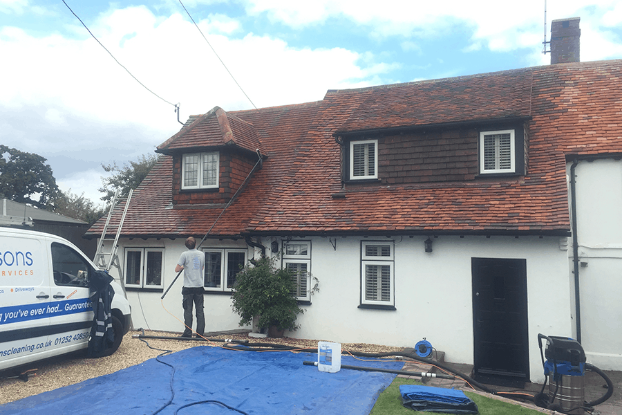 Roof-Cleaning-Surrey